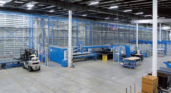 Linea completamente automatica di produzione per componenti in metallo (Prima Power SGe con Night Train (FMS)