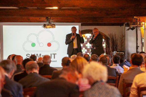 Andrea Provini, presidente Aused e Luciano Guglielmi presidente CIO Aica Forum