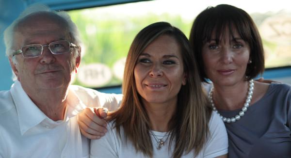 Da sinistra: Rosolino, Patrizia e Paola Pomi