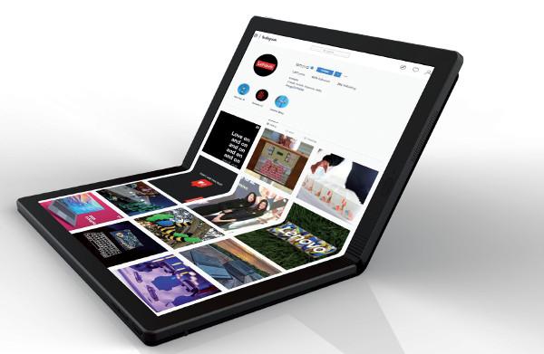 Il nuovo Foldable, presentato in anteprima a Orlando in occasione di Accelerate, è il primo PC pieghevole al mondo che si aggiunge alla famiglia di alta gamma dei ThinkPad X1. La sua commercializzazione inizierà nel 2020