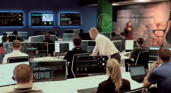 Mediante il proprio Service Operation Centre di Varsavia, Ricoh è in grado di monitorare - 24 ore su 24, 7 giorni su 7, 365 giorni all'anno - l'operatività delle infrastrutture IT dei propri clienti.